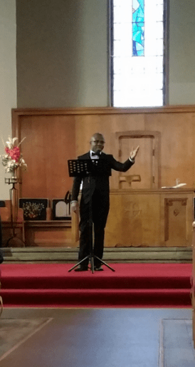 John sang for the congregation during the offerring
